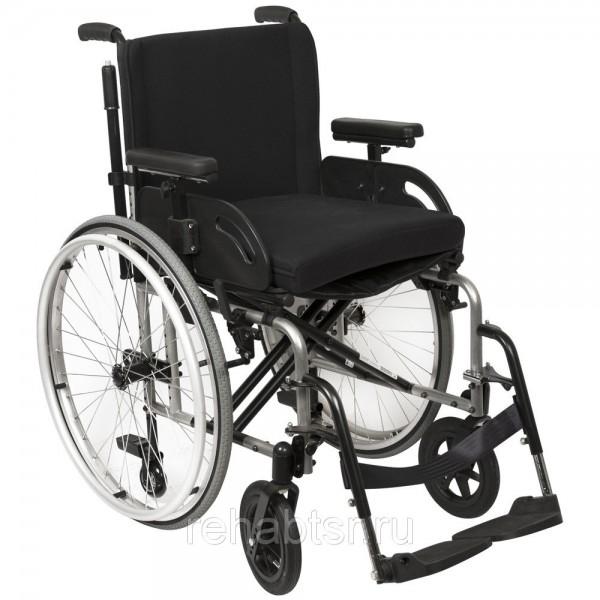 GR 108 Lightweight folding wheelchair